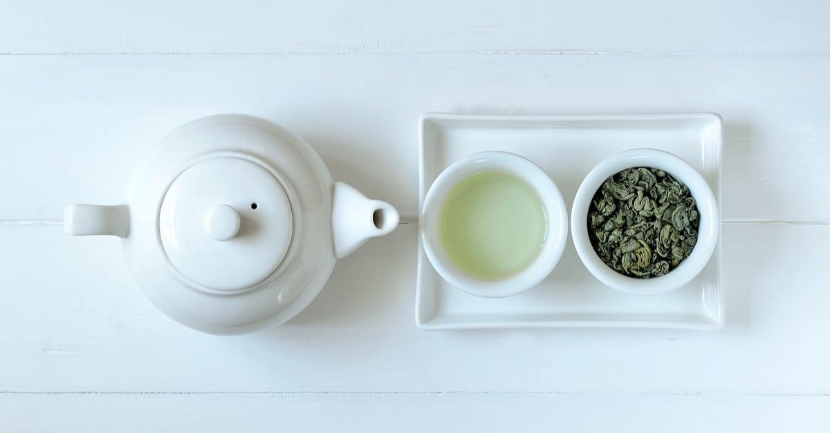 green-tea-in-tea-pot-9522387