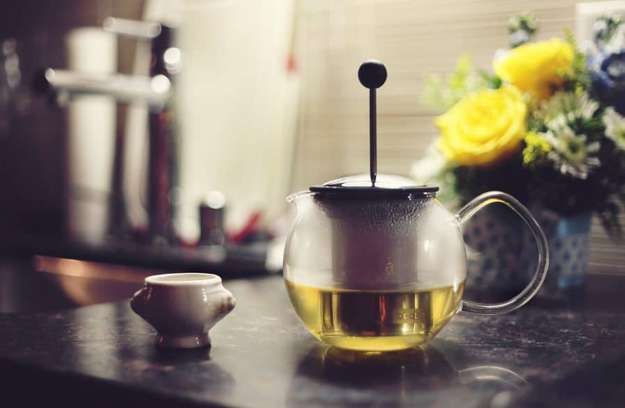 should-you-drink-green-tea-before-bed-e1562471611120-9560425