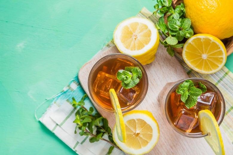 Long Island iced tea prepare