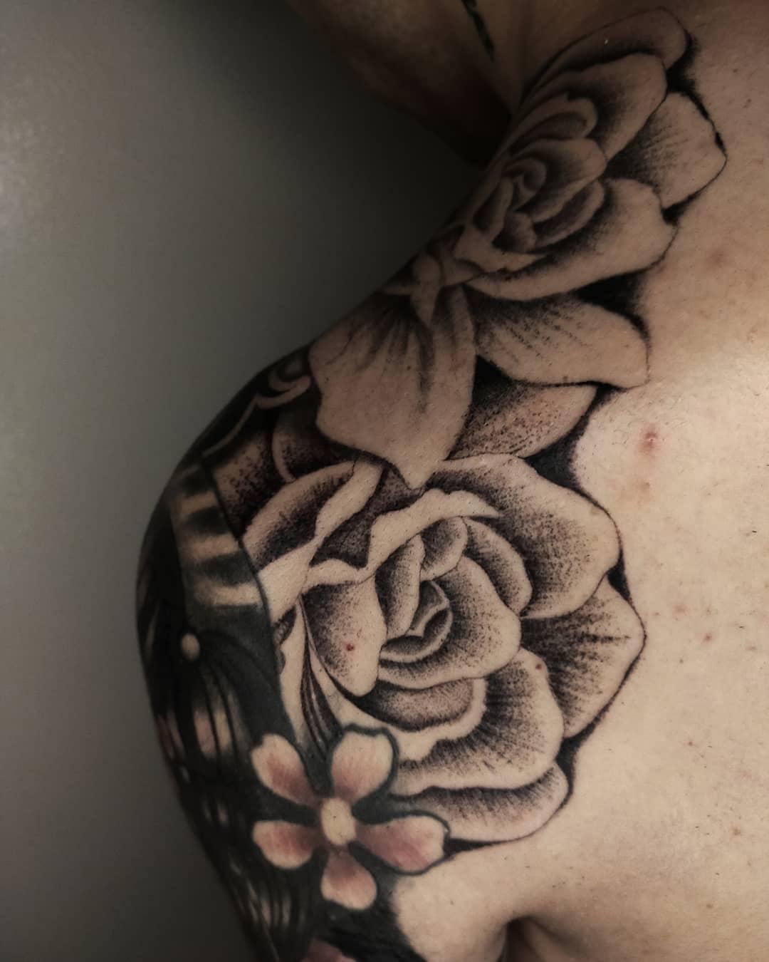 Flower vintage tattoo 2