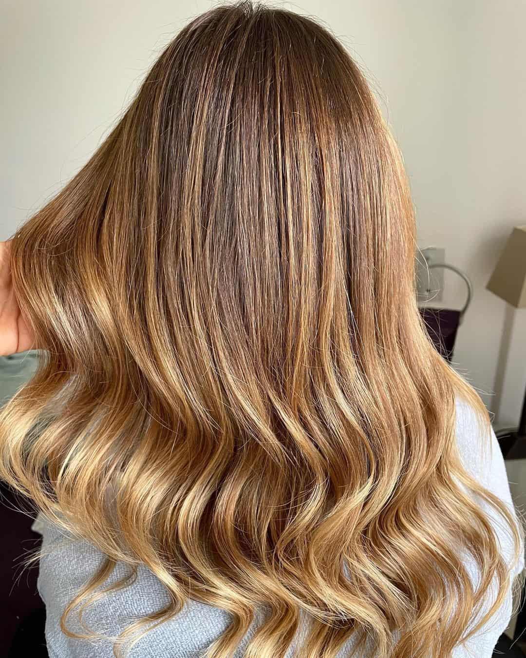 Blonde Hair Loose Waves Blowout