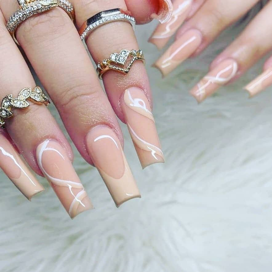Coffin Nails Long Nude Look