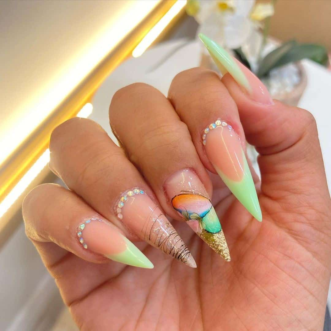 Green & Bright Feminine Stiletto Nails