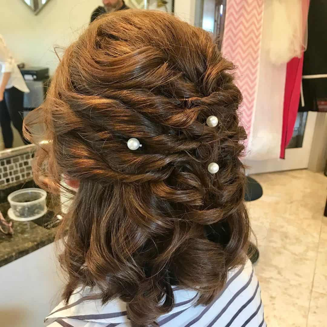Loose Short Curls With Beads