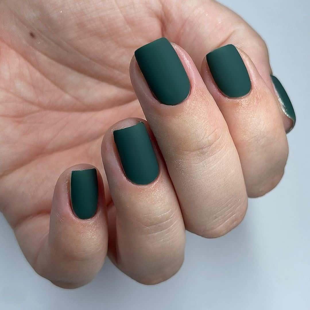 Short Green Matte Nails