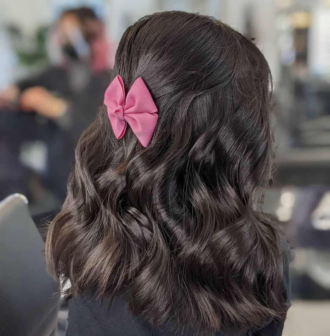 Short Hair With A Bow Detail